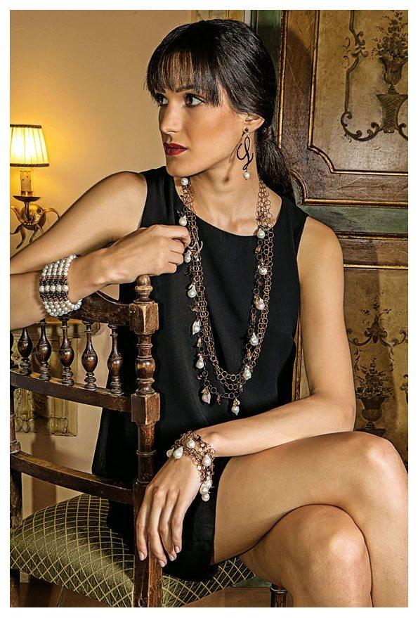 """Luisa della Salda    Collana, bracciali e orecchini della linea """"Cioccolato"""" in bronzo e perle barocche  www.preziosamagazine.com/shooting/"""