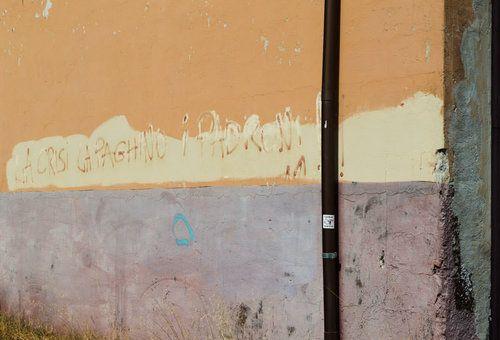 Inspiration in an Italian sun bleached dock yard