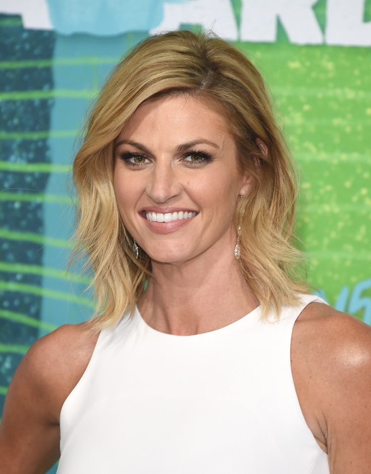 Erin Andrews Medium Layered Cut
