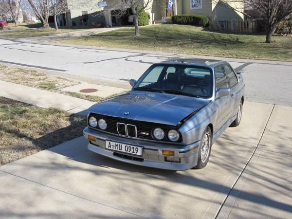Car brand auctioned:BMW: M3 1988 Car model bmw m 3 e 30 m 3