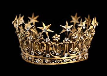 I want one...or two!: Princesses Parlor, Window Display, Santos Crowns, Stars Crowns, Google Search, French Antiques, Antique Santos, Santo Crowns, Antiques Santo