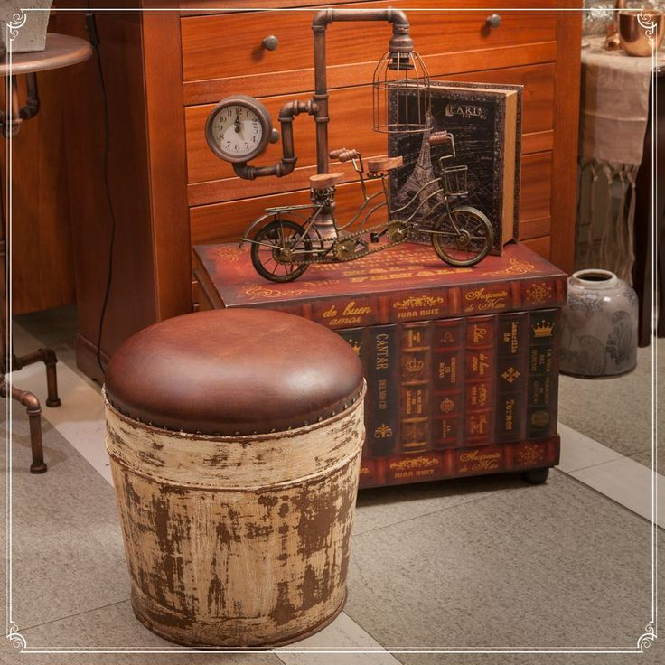 A gentleman's perfect recreational area, dark mahogany colours, delicate furniture, a scent of elegance and masculinity - Shop Deco @ ChicVille