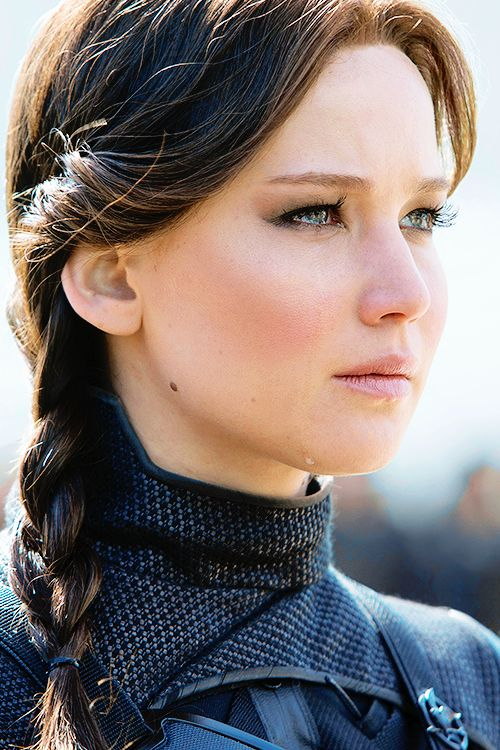 Jennifer Lawrence - Katniss Everdeen in Mockingjay Part 2