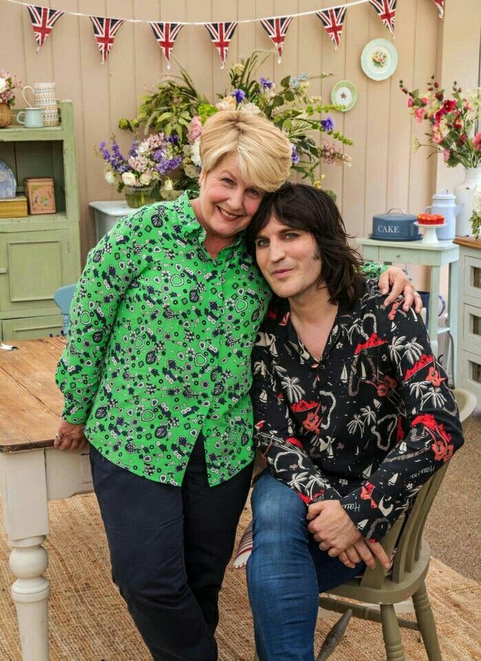 Sandi Toksvig and Noel Fielding are the new presenters for Channel 4's Bake Off