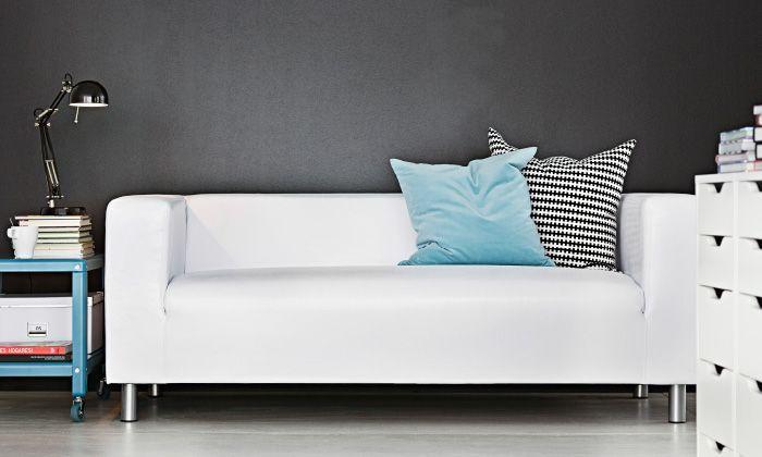 divano klippan a due posti in pelle artificiale bianca ikea wishlist pinterest. Black Bedroom Furniture Sets. Home Design Ideas