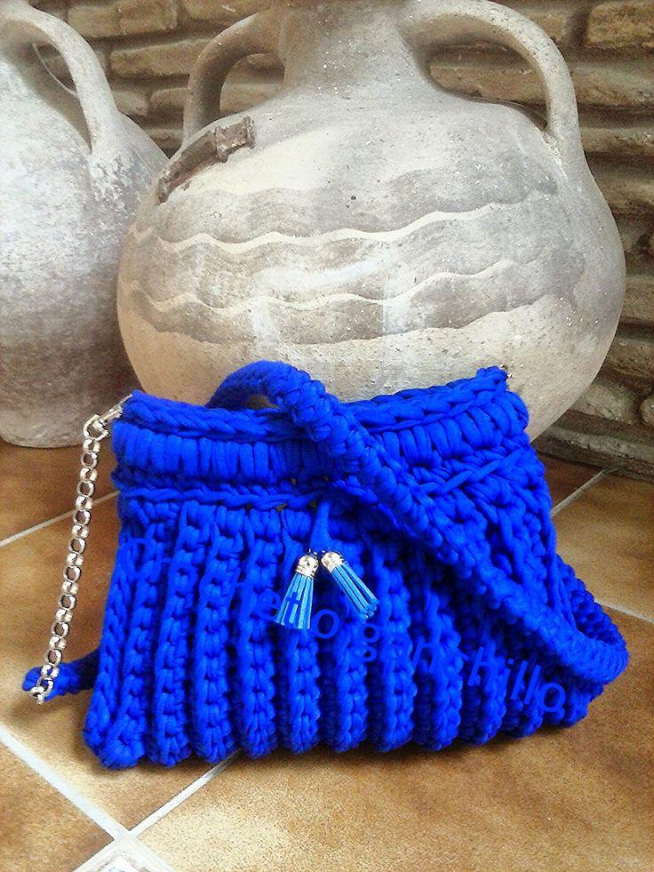 Crochet o ganchillo: Bolso trapillo azulón by Crochet o ganchillo
