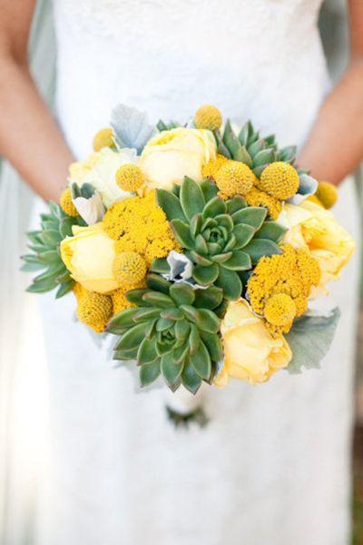 Bouquet de mariee tulipes jaunes et crespidia, succulentes vertes