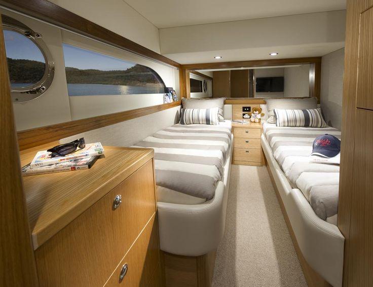Riviera 515 SUV - Starboard Cabin