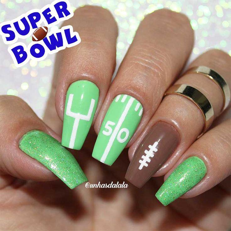Desta vez a decoração está bem diferente como o tema para o esporte Futebol Americano. Inspirada no maior evento esportivo dos Estados Unidos o Super Bowl.  Nail art super simples com vários traços brancos representando a bola de futebol americano,