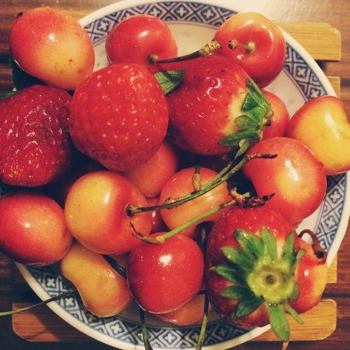 rainier cherries and strawberries