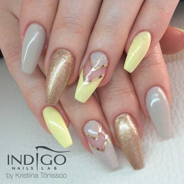 Champagne Gel Polish by Kristiina Tonissoo ♥ #polish #gelpolish #nails #pastel #pastelnails #lemon #glitter #gold