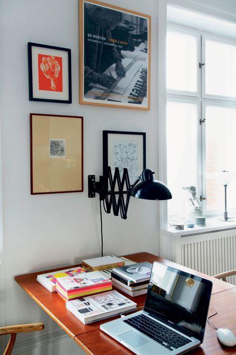 Sille Koppel er grafisk designer og holder meget af farver, der ikke larmer. Kig med i hendes 160 kvadratmeter store lejlighed, hvor hun bor med sin mand og deres to børn.