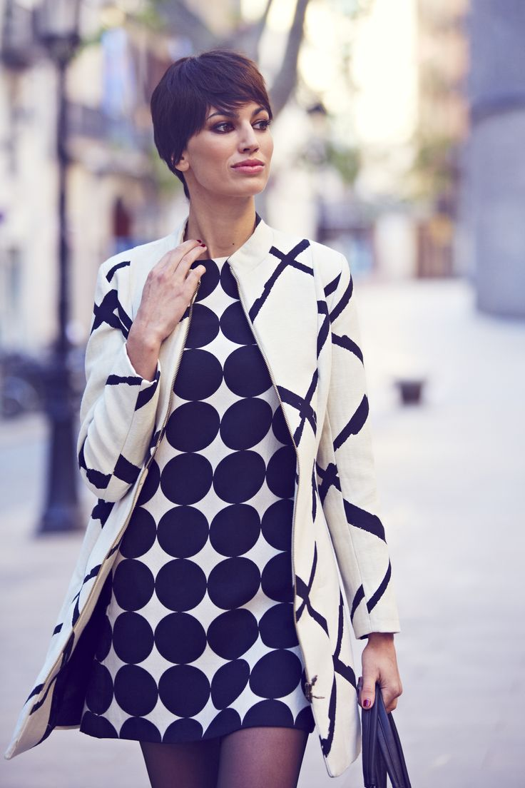 Lovely look for the winter! Black and white are always powerful!