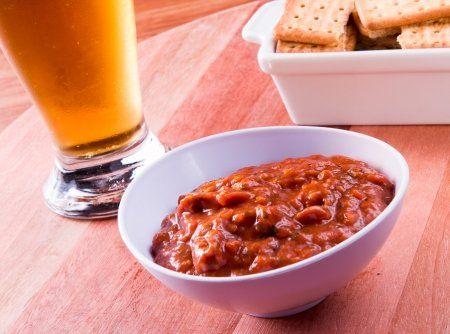 Receita de Sardela - pimentão vermelho, azeite, alho, molho de tomate, páprica doce, páprica picante, pimenta-do-reino preta, sardinha fresca (mudar p frango)