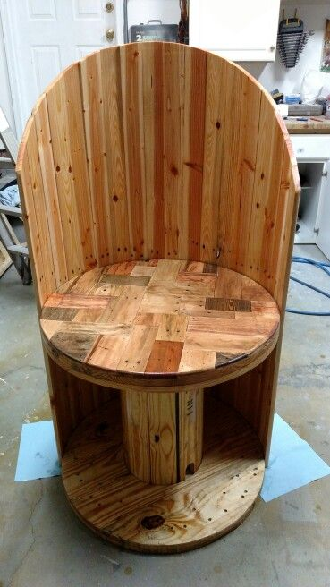 Pallet electrical spool chair #palletfurnitureoutdoor