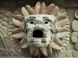 Sculpted Head of Goddess, Temple of Quetzacoatl, Teotihuacan, Mexico, North America Lámina fotográfica por Desmond Harney