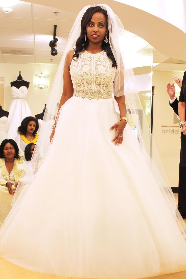Season 9 Feature Dress Lazaro Ballgown Ivory Champagne Beaded And Embroidered