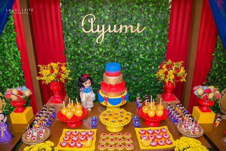 Little Wish Parties | Snow White Birthday Party | https://littlewishparties.com