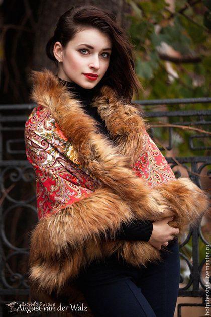 Платок с мехом в Русском стиле. Russian Style