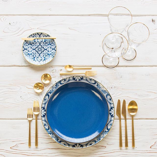 Monday's are for Moonstone 💙 With our Transatlantica Chargers/Bread Plates + Heath Ceramics in Moonstone + Rondo Flatware in Brushed 24k Gold + Chloe 24k Gold Rimmed Stemware + 14k Gold Salt Cellars + Tiny Gold Spoons #cdpdesignpresentation #🍽