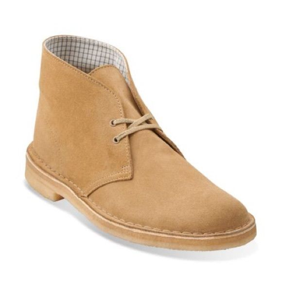Clarks Original Desert Boots woman sand So classic and perfect for a casual outfit! Clarks Shoes Combat & Moto Boots
