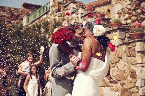 the kiss // photo by 3deseosymedio.comCouples Weddinglovedayn, Bodas Real, Wedding Photography, Photos Ideas, Interracial Couples, Bodas Perfecta, 3Deseosymedio Adriana 035, Photography Fun, Photography Inspiration