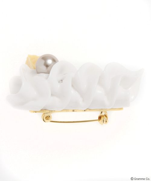 Waffle Whip Brooch