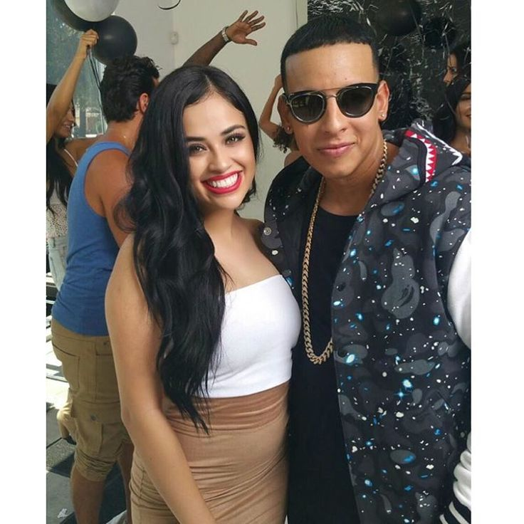 """#mulpix I can finally share with you my latest music video with @daddyyankee! I remember when I was little I would ALWAYS dream of me being in a music video with him and it finally came true! 😍❤️ check the music video out """" Tu Y Yo"""" @Tommy_Torres f. @daddyyankee  #daddyyankee  #Reggeton  #Latina  #Lations  #Mexicana  #PuertoRico  #YoutubeVideo  #LAModels  #TuYYo P.S. Daddy Yankee, you are one of the BEST artists I've worked with! Thank you so much for making me smile all the time on set lol"""