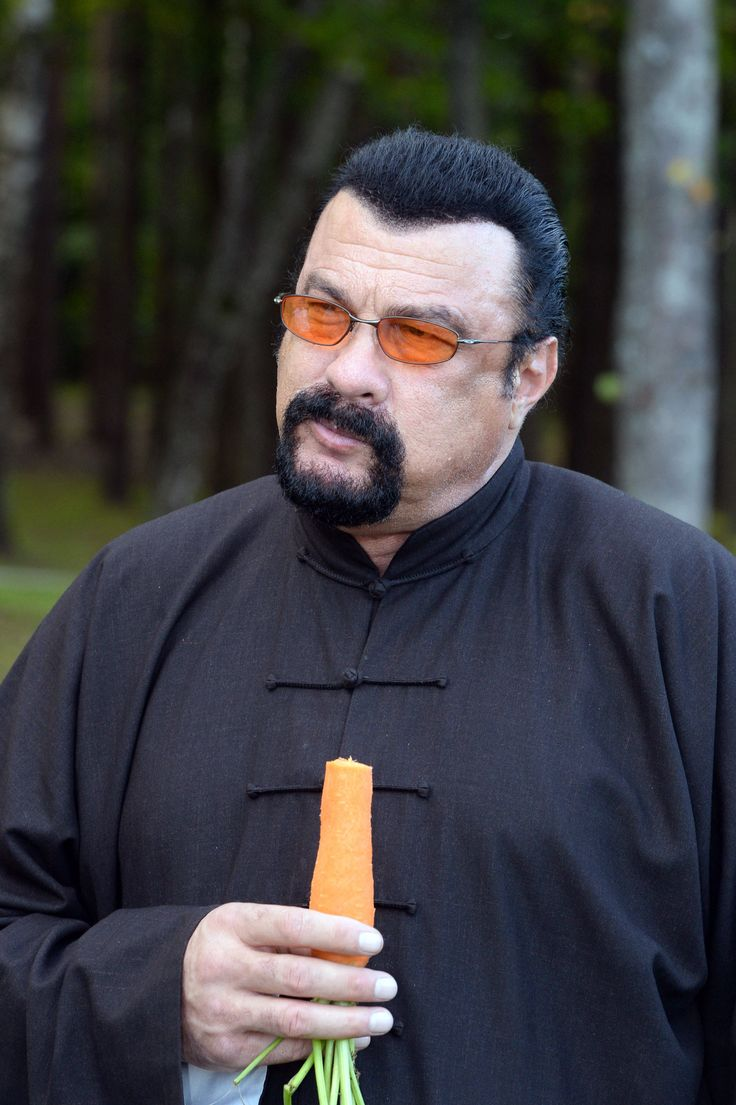 Watch: Steven Seagal and Alexander Lukashenko of Belarus eat carrots together —…