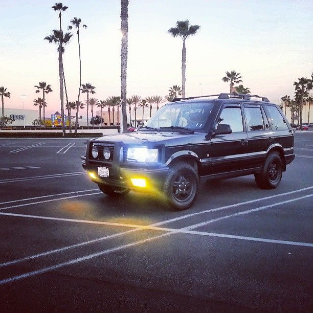 """""""My P38 posted at the buena park mall yellow fogs were a bitch but I love the results #rangerover #p38 #landrover #rover #4x4 #offroad #euro…"""""""