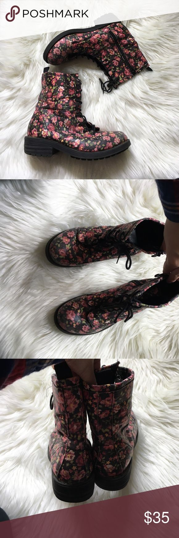 Steve Madden Floral Lace Up Combat Boots Excellent condition with light wear and tons of life left! NO TRADES PLEASE Steve Madden Shoes Combat & Moto Boots
