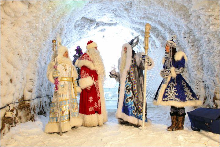 Kırmızı veya mavi giymiş Büyükbaba Frost sık sık onun Snow Maiden eşlik - Snegurochka. Resimler: AiF, MR7, Pikabu  Örneğin, onun yoğun gece hediyeler saat grev olarak gece yarısı gelen ile yılbaşını olduğunu. Sık sık evlerinde veya Yılbaşı öncesi partilerde heyecanlı çocukları ziyaret etti ve Sovyet zamanında sonundan itibaren, o da 6 Ocak ve 7 Ortodoks Noel arifesi ve yılbaşı Günü münasebetiyle bazı daire ve evlerin görünür. Genellikle o kırmızı giymiş ama bazen mavi veya çok nadiren beyaz…