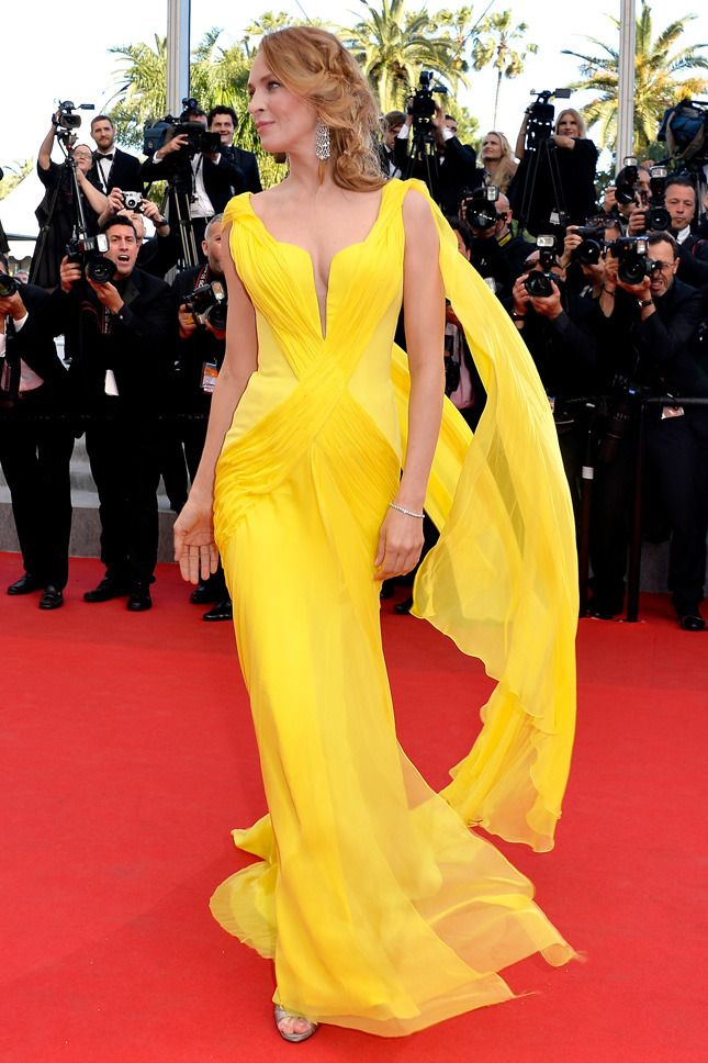 "Uma Thurman in Atelier Versace at the premiere of ""Sils Maria"" #Cannes2014"