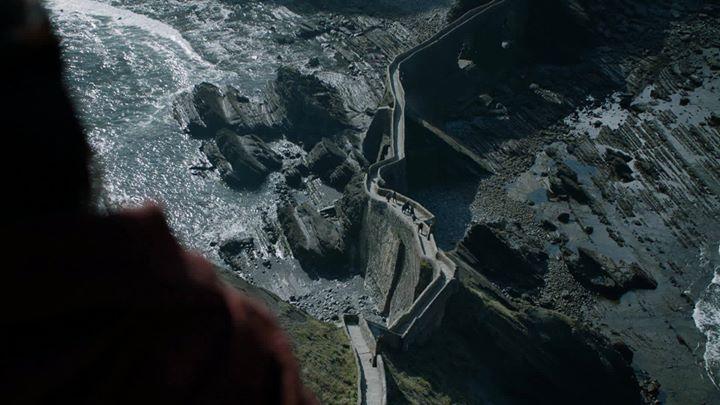 Der große Krieg beginnt in weniger als 8 Wochen. Versammelt euch im Reich. Teilt den offiziellen Trailer zur 7. Staffel von Game of Thrones. #GOT #GameOfThrones #SevenKingdoms #WinterIsComing #FireAndBlood