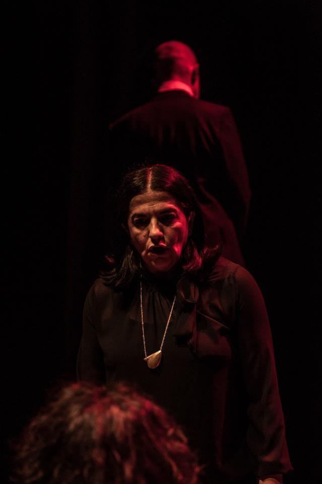 """Giuseppina Pesce è figlia, moglie e madre di 'ndrangheta. E'una donna nata in un sistema mafioso, educata secondo i canoni dell'onorata società. Nella sua vita non ha avuto alcuna possibilità di scelta. La madre le ha trasmesso le regole del vivere mafioso. L'organizzazione ha pianificato il suo matrimonio. E, ben presto, avrebbe fagocitato anche i suoi bambini. Sembrava non esserci via di scampo ma Giuseppina ha avuto il coraggio di dire """"no"""". E si è pentita."""
