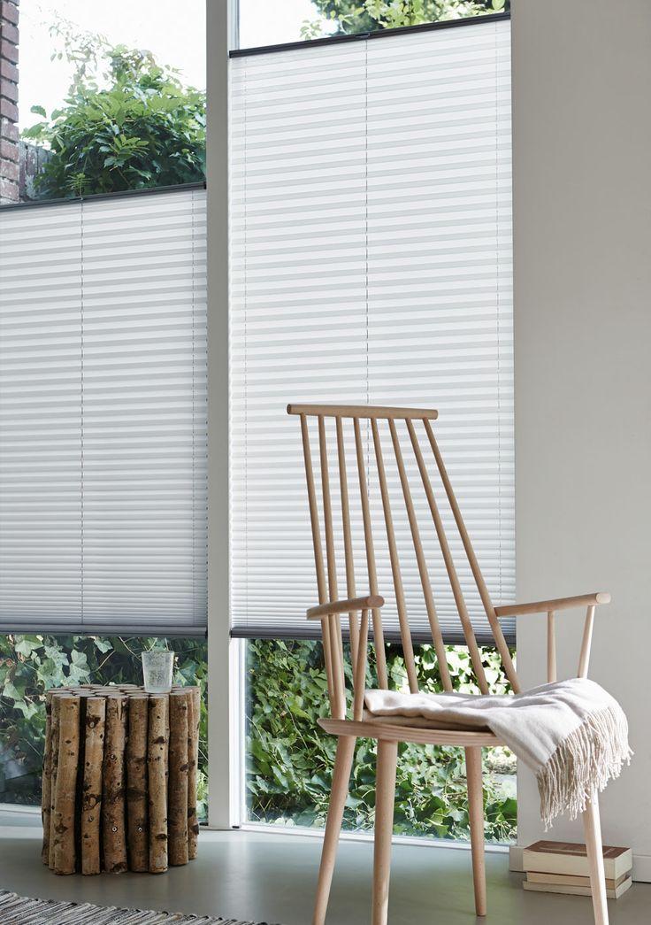 Hvilket behov har du, når det kommer til afskærming for solen? Plissegardiner er mulighedernes gardin. Vores nye kollektion er et overflødighedshorn af farvestrålende stoffer, forskellige transparentheder og spændende grafiske mønstre. Her er noget for enhver smag og ethvert hjem - også hvis du er til et hvidt gardin med mulighed for fleksibel afskærmning. #Luxaflex #gardin #gardiner #gardinergørenforskel #afskærmning #bolig #indretning #vinduer