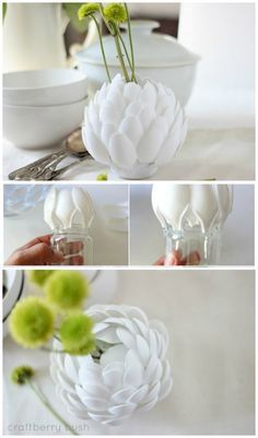 florero con cucharas de plástico