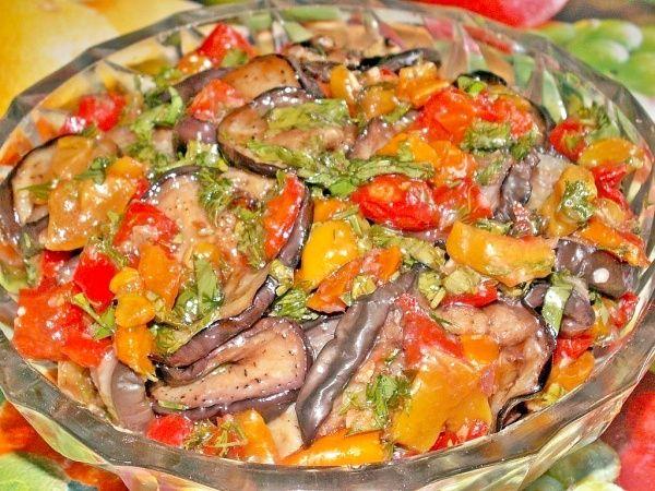 Быстрые маринованные баклажаны с болгарским перцем | Печем и варим