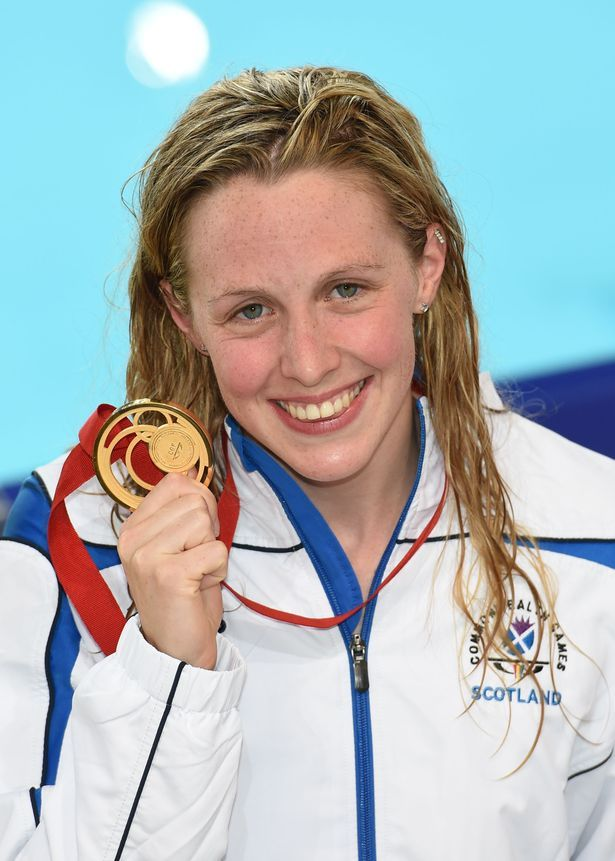 The 25+ best Hannah miley swimming ideas on Pinterest ...