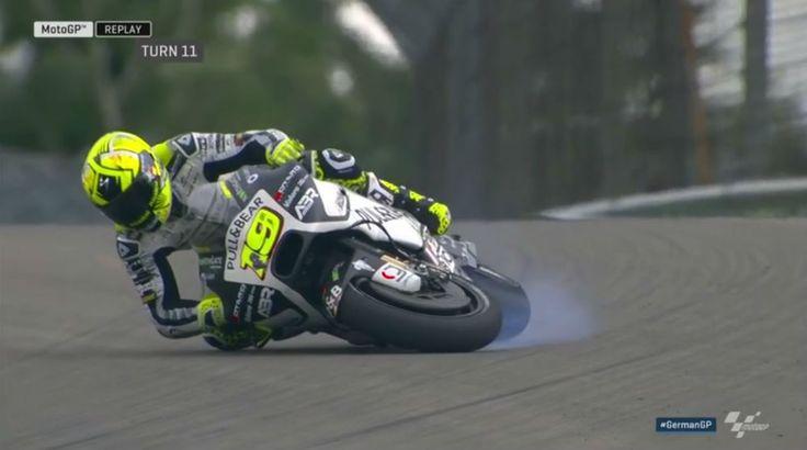 MotoGP - Vídeo: A queda de Alvaro Bautista em Sachsenring. - MotoSport - MotoSport