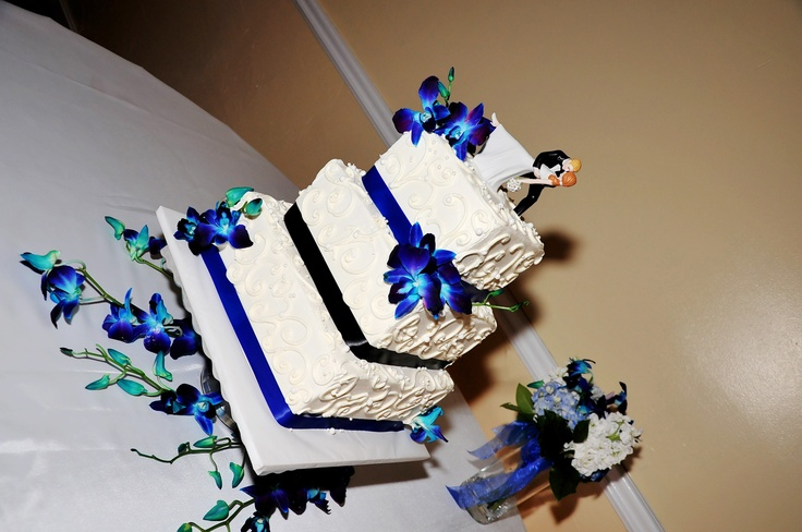 Cake Designs Jackie Brown Croydon : 40 Best images about Black and royal blue wedding on ...