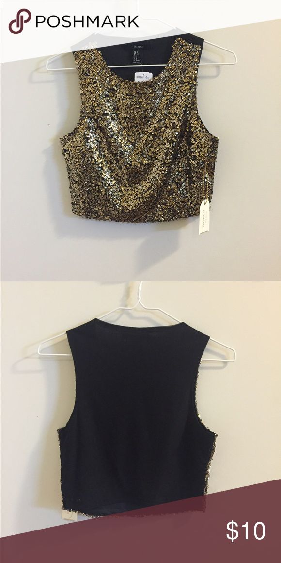 Sparkly Crop Top Cute sparkly crop top, NWT, would be a great look for New Years Eve! Forever 21 Tops Crop Tops