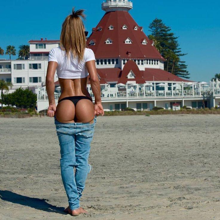 Crossfit girls ass