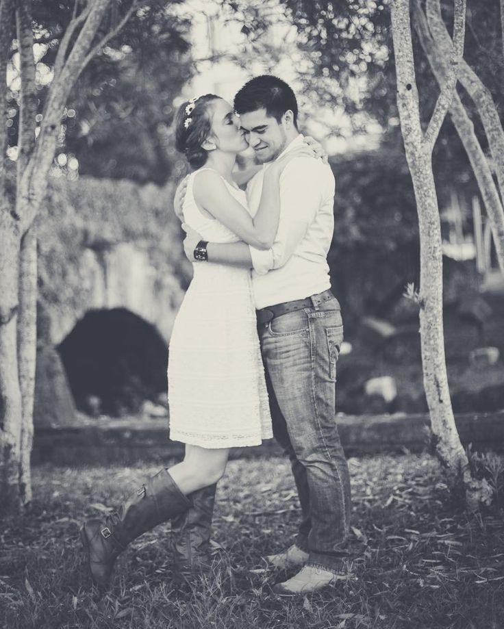 Sweet kisses for her sweetheart. #tmjphoto   Tmj, Instagram, Photo