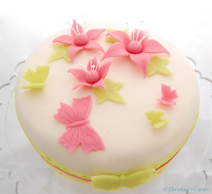 Flowers made out of marzipan. Gorgeous.