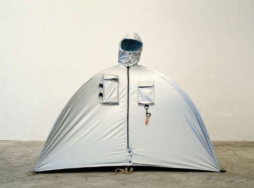 Lucy Orta, refuge wear, 1992.