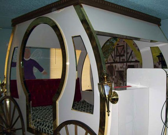 Best 25+ Cinderella carriage bed ideas on Pinterest ...
