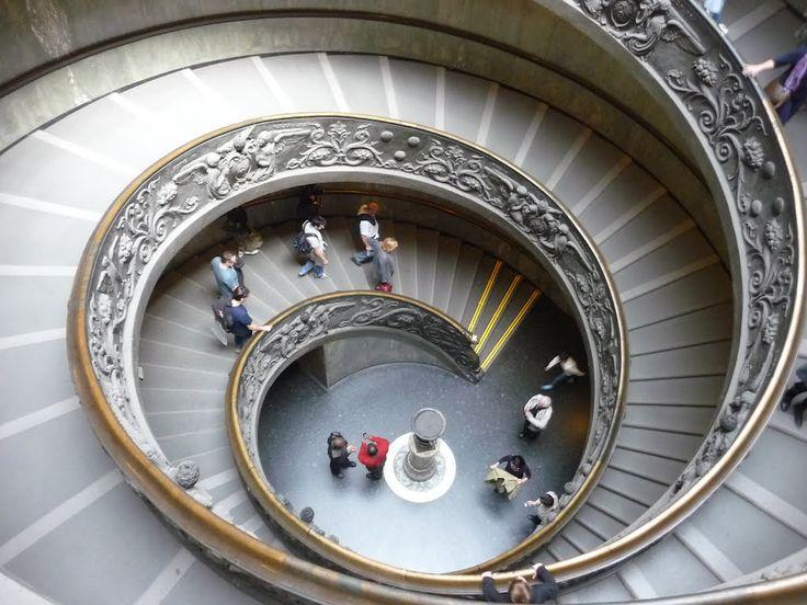 Vatikáni múzeumok kijárati lépcsőház