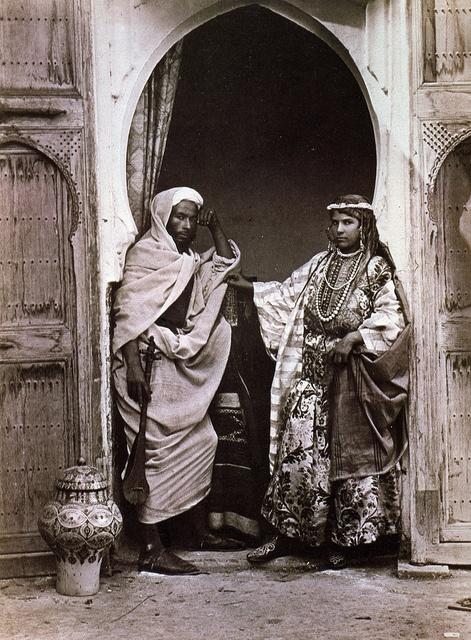 Tangier, Morocco, 1870-1879 Fred Hardy artistes-chanteurs berbères, tanger épreuve à lalbumine