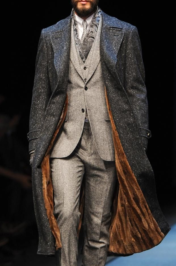 View all the detailed photos of the Canali men's autumn (fall) / winter 2013 showing at Milan fashion week. Read the article to see the full gallery.